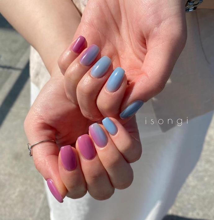 Mẫu nail ombre xanh tím