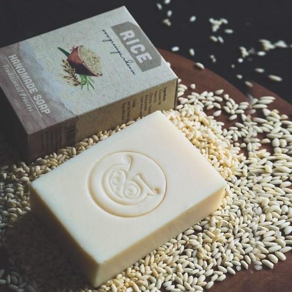 Xà phòng cám gạo Việt Nam - Plain Handmade Soap tắm trắng hiệu quả