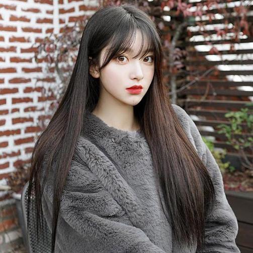 Tóc dài duỗi thẳng kết hợp với mái bằng