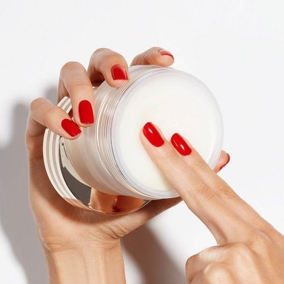 Nên chọn các loại kem dưỡng da chống lão hóa chuẩn xịn