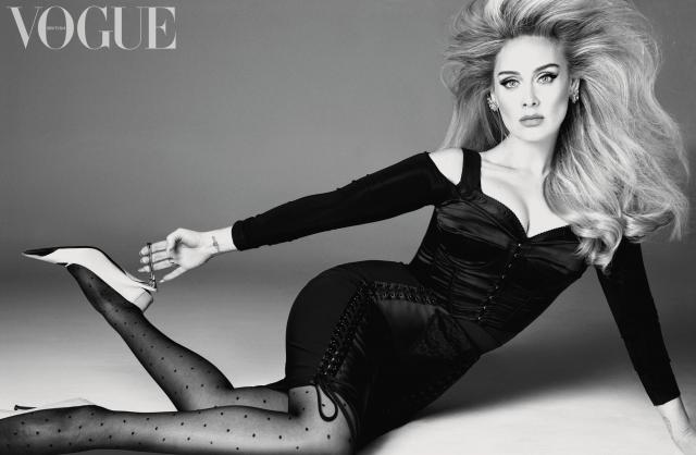 """Adele đẹp đến """"nghẹt thở"""" khi xuất hiện trên bìa tạp chí Vogue của Anh, Mỹ"""