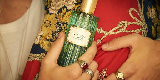 4 dòng nước hoa mang nốt hương hoàn hảo cho những ngày Thu nồng ấm